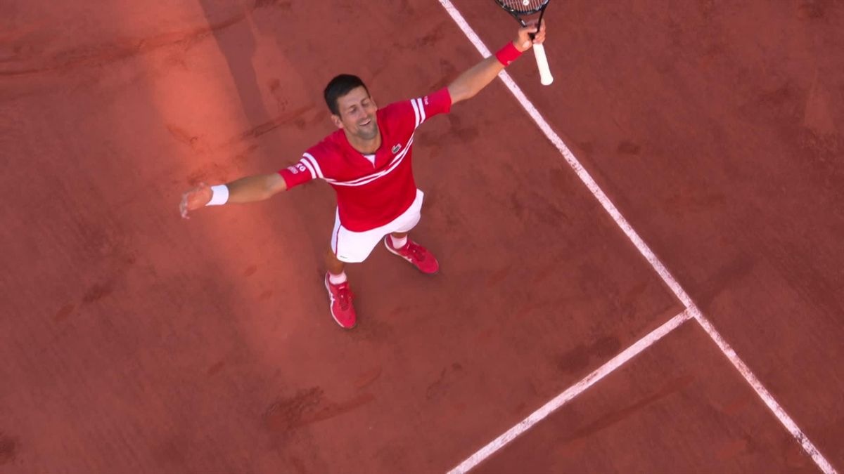 Джокович рванул к сетке на матчболе и забрал корону «РГ»