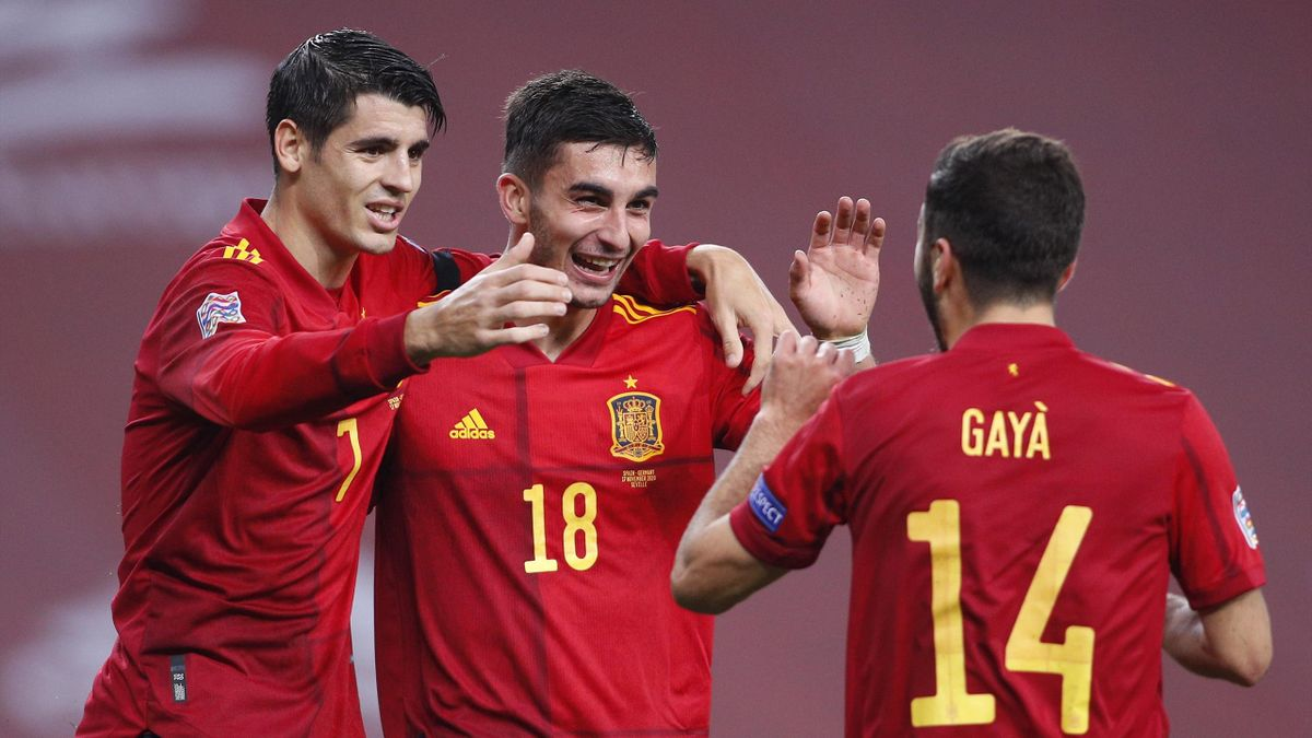 SEVILLE, SPAIN - NOVEMBER 17: Ferran Torres (C) of Spain celebrates his team's fourth goal with teammates Alvaro Morata and Jose Gaya during the UEFA Nations League group stage match between Spain and Germany at Estadio de La Cartuja on November 17, 2020