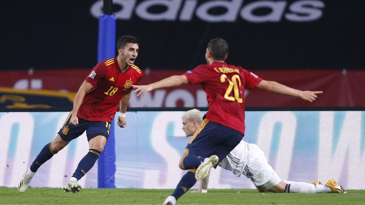 Ferran Torres și Sergi Roberto, în Spania - Germania 6-0