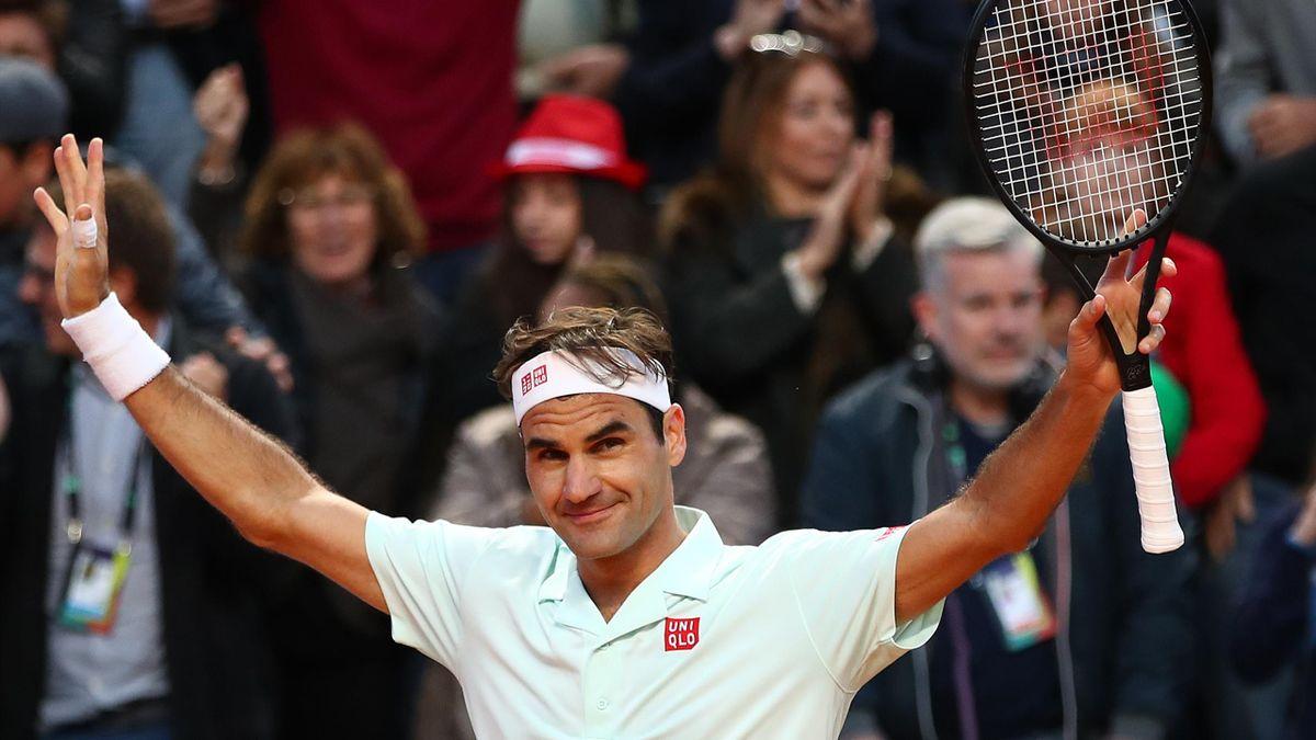 Roger Federer célèbre son succès contre Borna Coric à Rome, le 16 mai 2019.