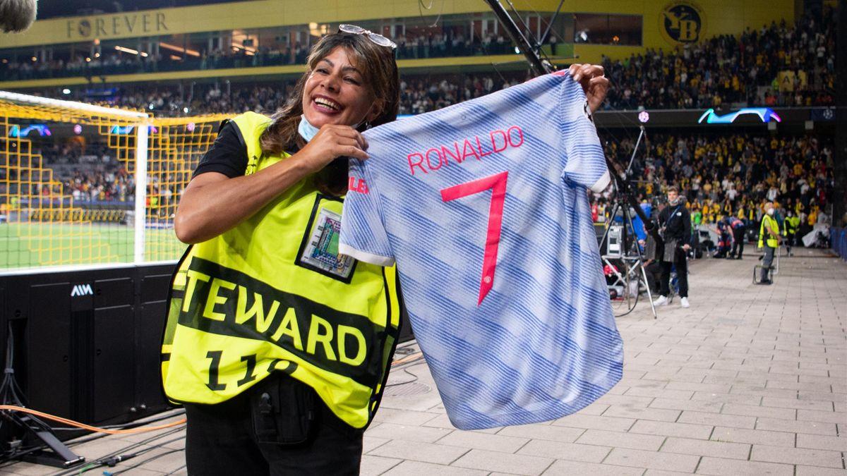 Cristiano Ronaldo schenkte sein Trikot der Ordnerin in Bern