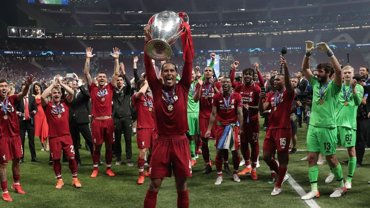 Virgil van Dijk, câștigător UEFA Champions League în 2019, cu Liverpool