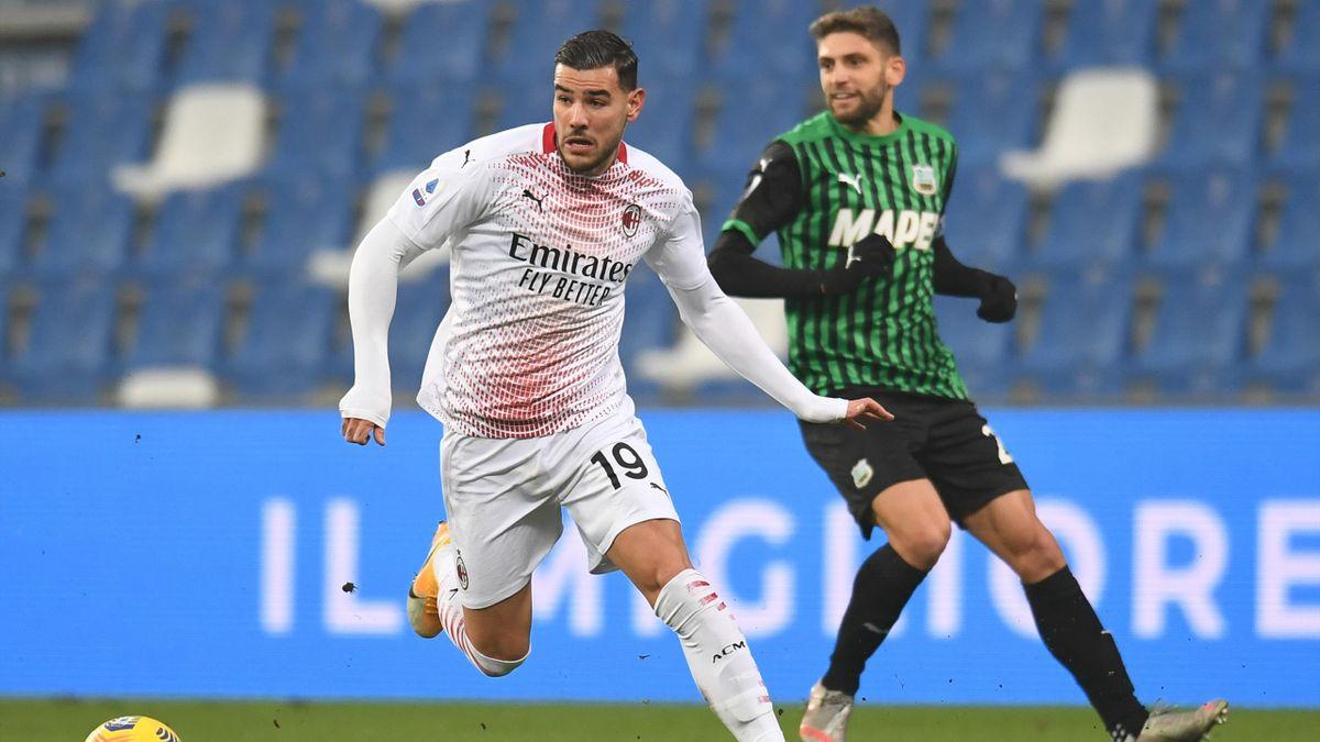 Theo Hernandez contro Berardi in Sassuolo-Milan