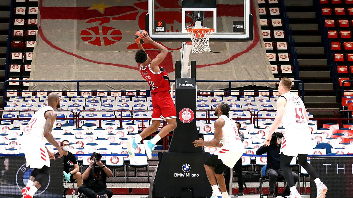 Zach Leday, #02 of AX Armani Exchange Milan in action during the 2020/2021 Turkish Airlines Euroleague Play Off Game 1 between AX Armani Exchange Milan and FC Bayern Munich at Mediolanum Forum on April 20, 2021 in Milan, Italy