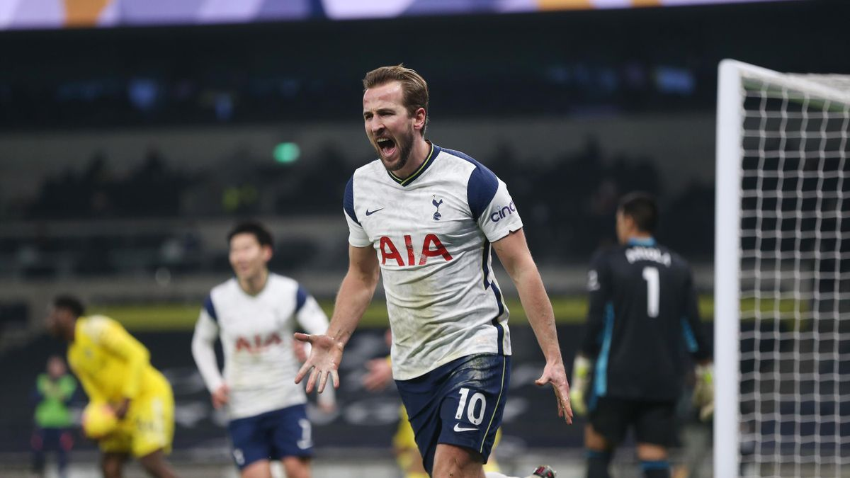 Tottenham Hotspur's Harry Kane celebrates scoring his side's first goal during the Premier League match between Tottenham Hotspur and Fulham at Tottenham Hotspur Stadium
