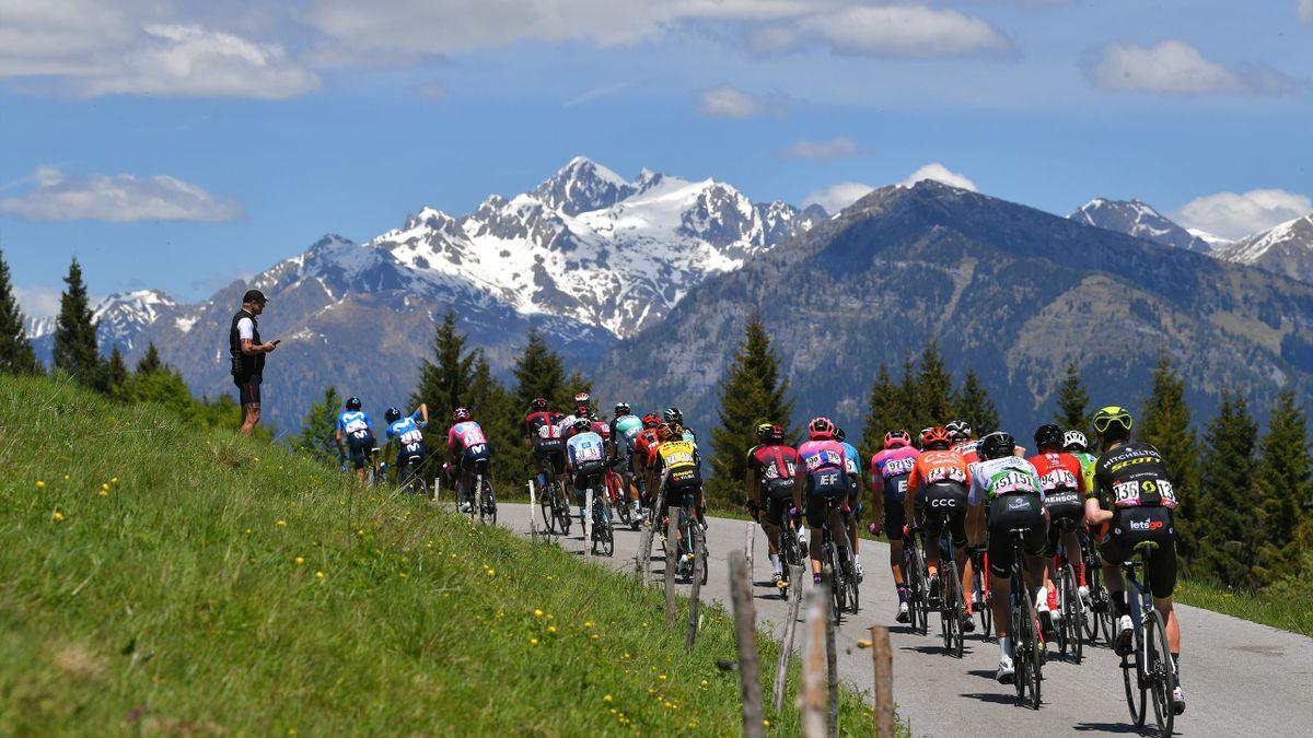 Das Peloton beim Giro d'Italia
