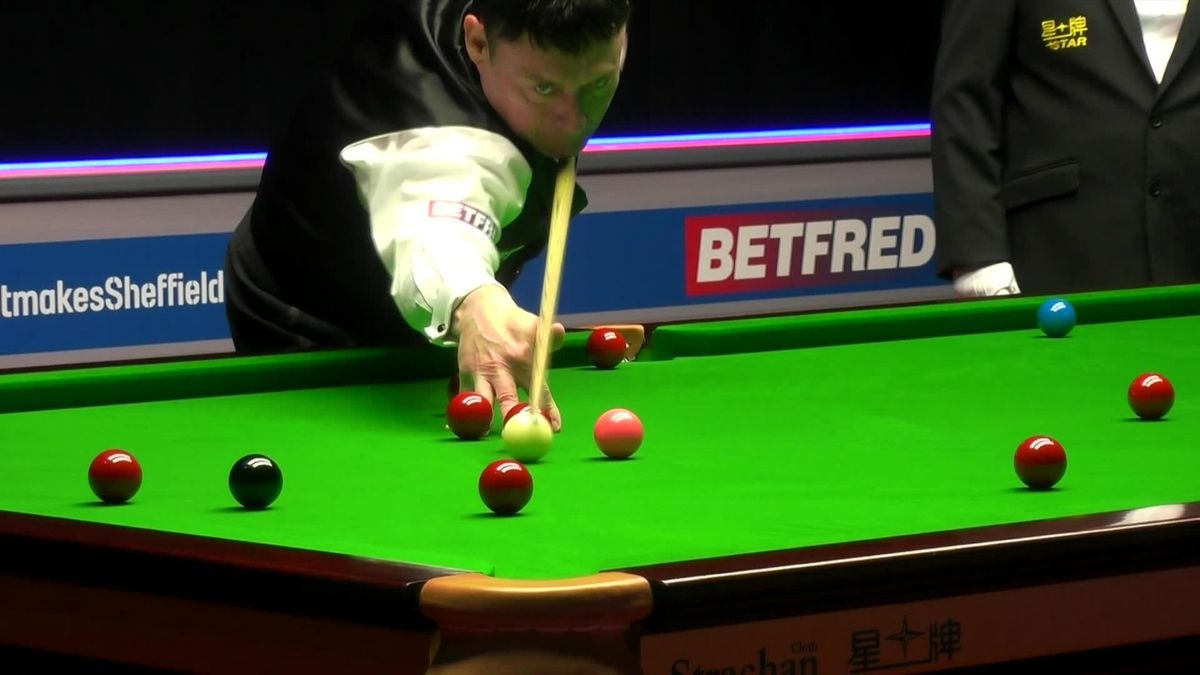 'That was horrible' – White thumps down cue after miscue