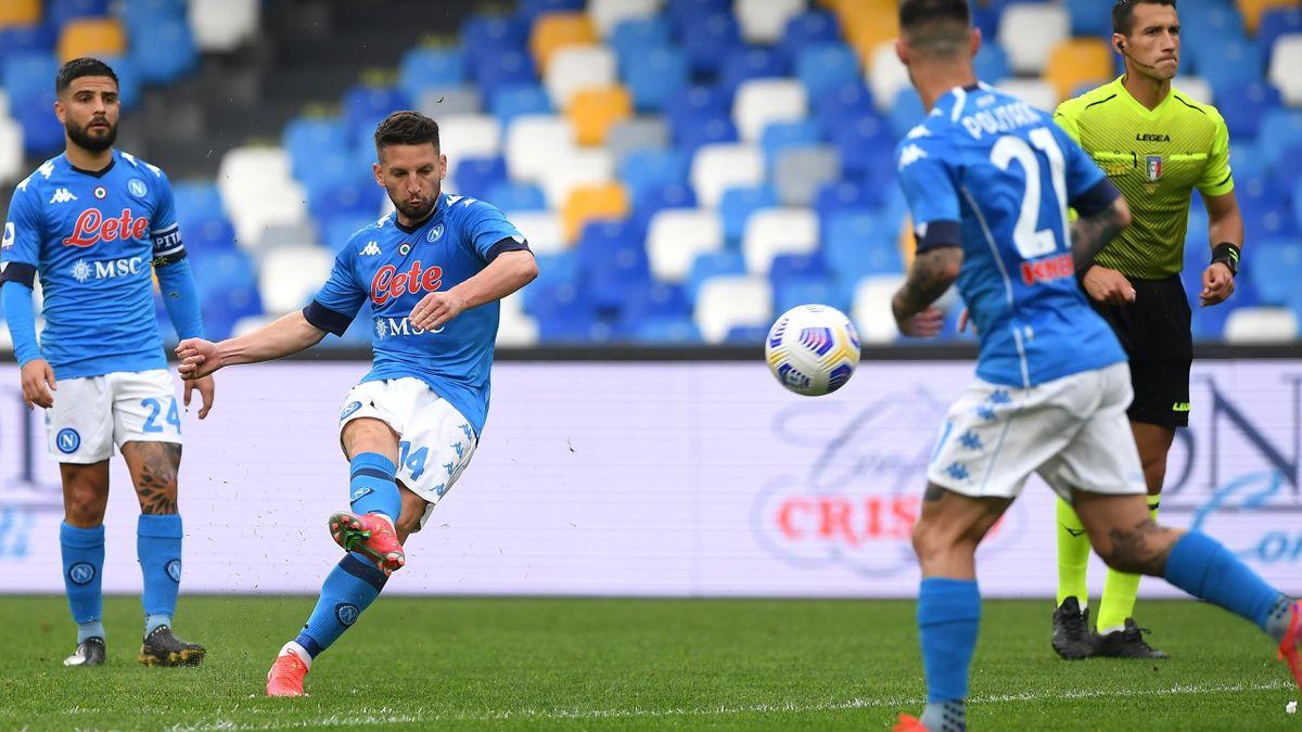 Napoli-Crotone 4-3, pagelle: Insigne e Simy i migliori. Male Manolas,  Maksimovic e Molina - Eurosport