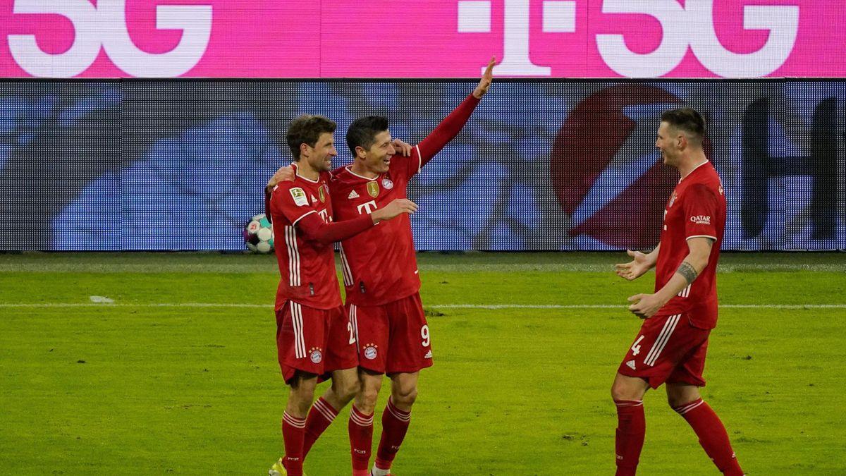 Die Bayern-Stars feiern ihren Heimsieg