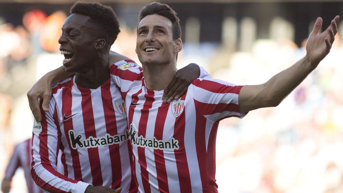 Athletic Bilbao's forward Aritz Aduriz celebrates after scoring with forward Inaki Williams