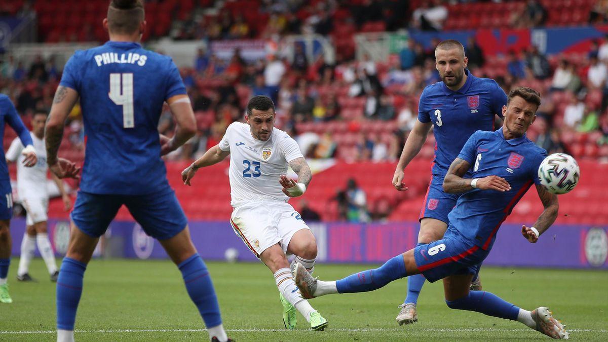 Stanciu, în timpul partidei Anglia - România 1-0