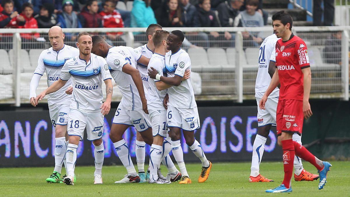 La joie des joueurs d'Auxerre face à Dijon