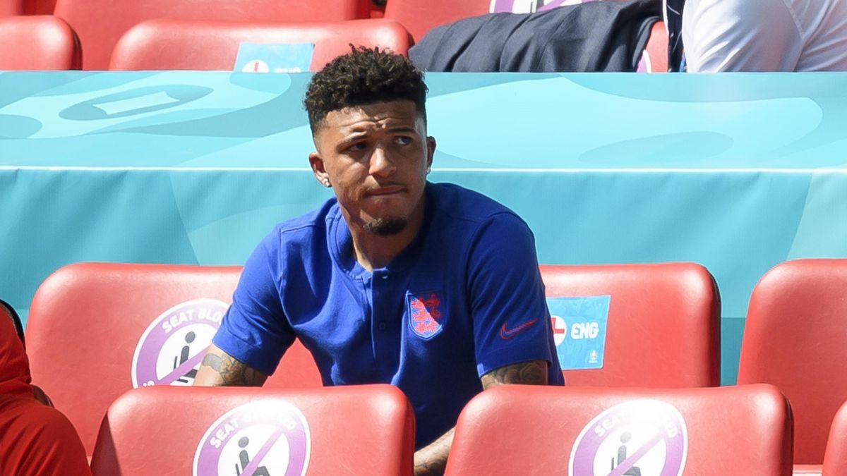 Jadon Sancho sitzt beim EM-Auftakt von England gegen Kroatien auf der Tribüne