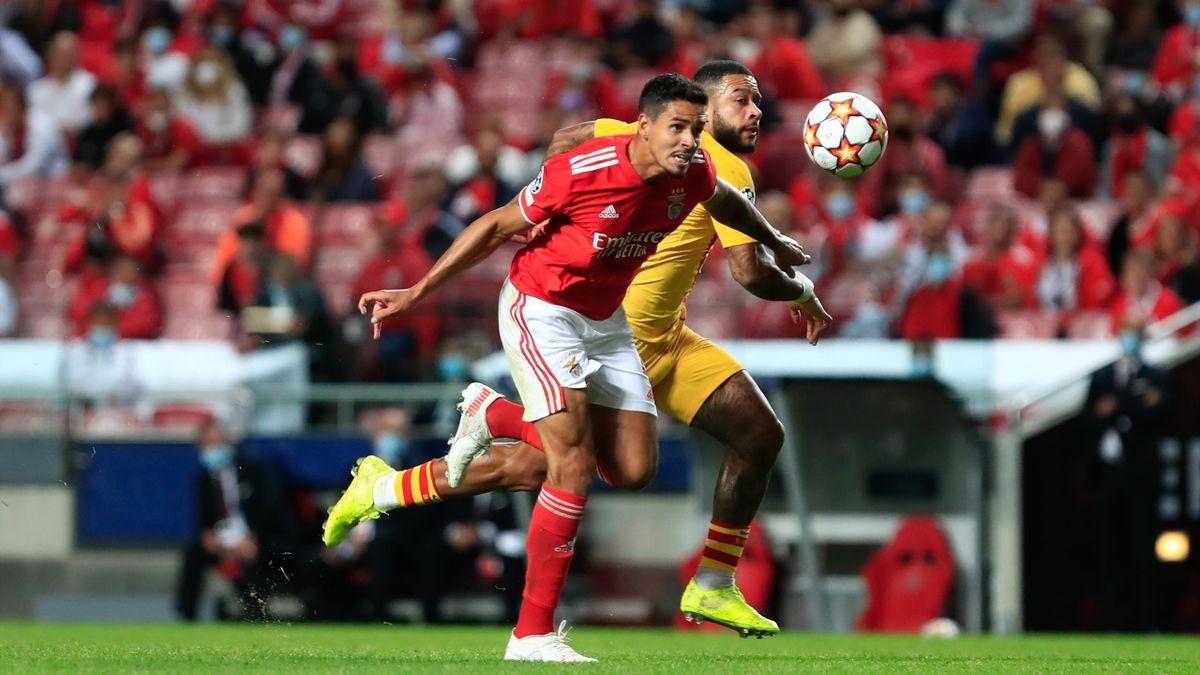 Lucas Verissimo (Benfica) vs. Memphis Depay (Barcelona)