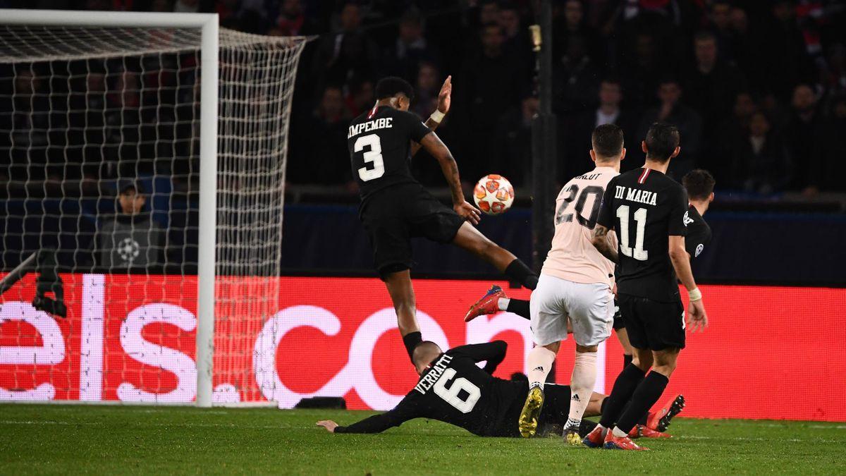 Presnel Kimpembe fait main face à Manchester United