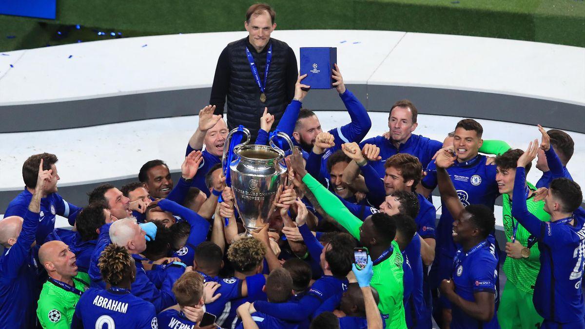 Tuchel e il Chelsea festeggiano la conquista della Champions League