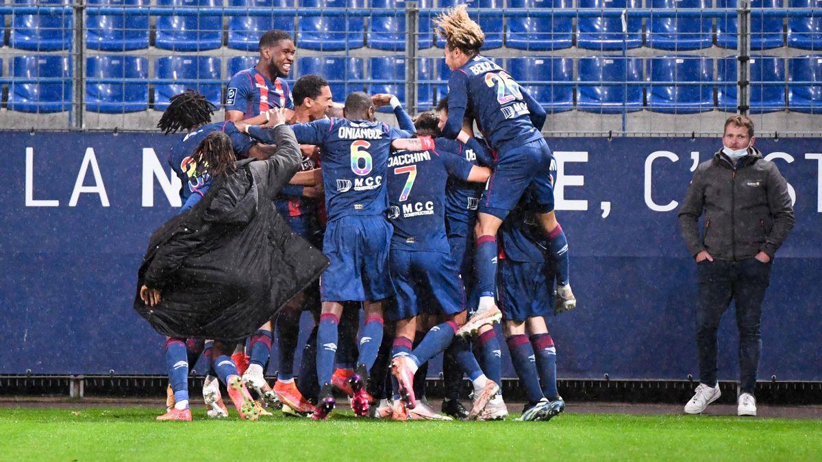 Il y a de la joie à Caen ! Le Stade Malherbe a assuré son maintien en Ligue 2 samedi 15 mai 2021, lors de la 38e et dernière journée