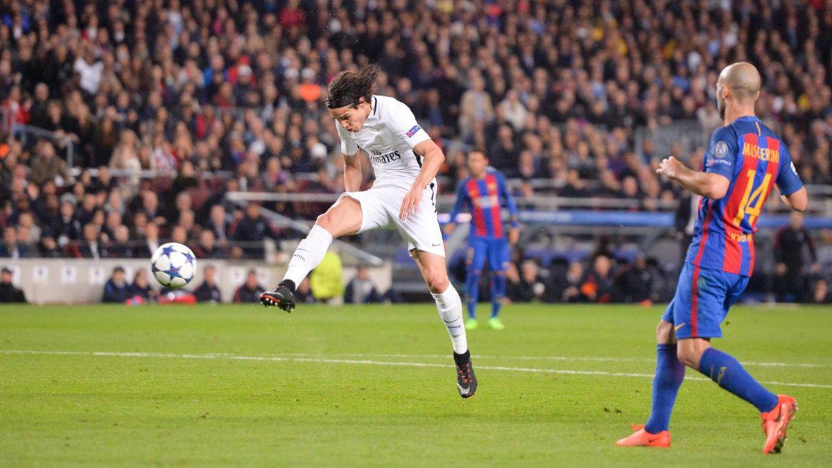 Edinson Cavani trifft gegen Barcelona