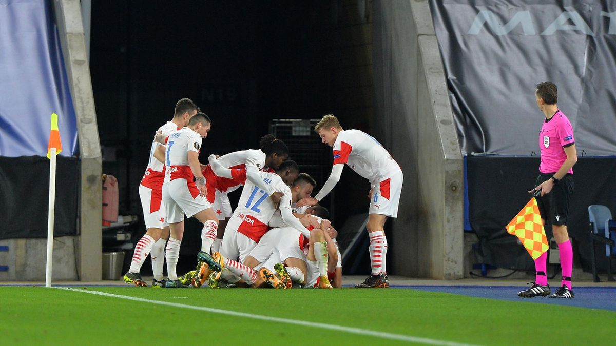 Players of Slavia Prague celebrate after Luká Provod of Slavia Prague scores for Slavia Prague during the UEFA Europa League Round of 32 match between Leicester City and Slavia Prague at Leicester City Stadium, on February 25, 2021 in Leicester, United Ki