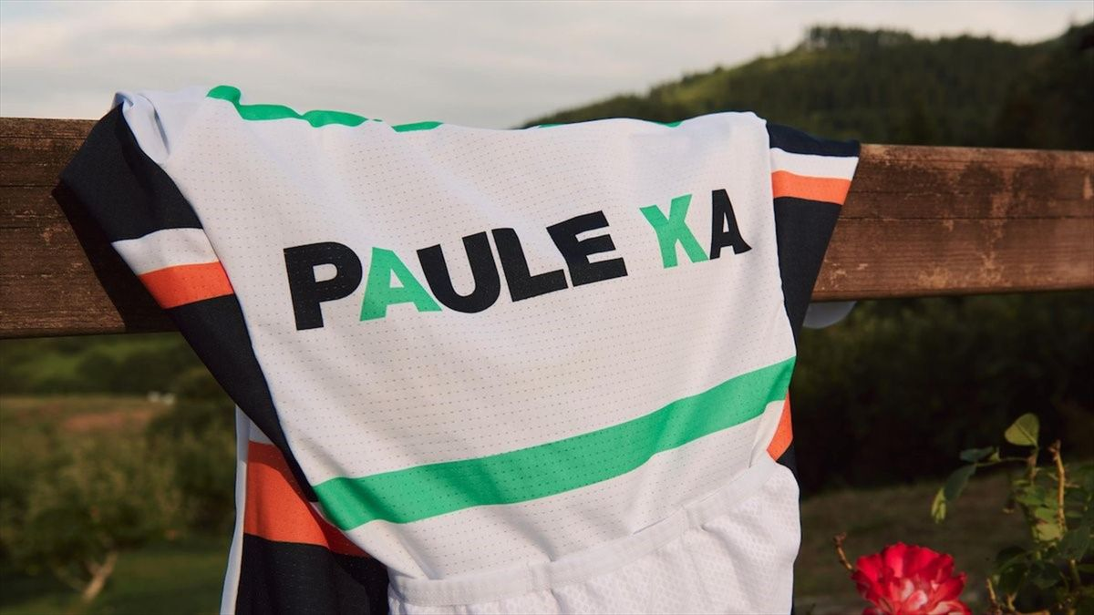 Team Jersey of Equipe Paule Ka