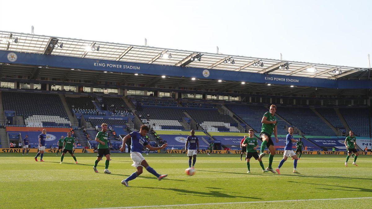 Meciurile din Premier League se dispută fără spectatori