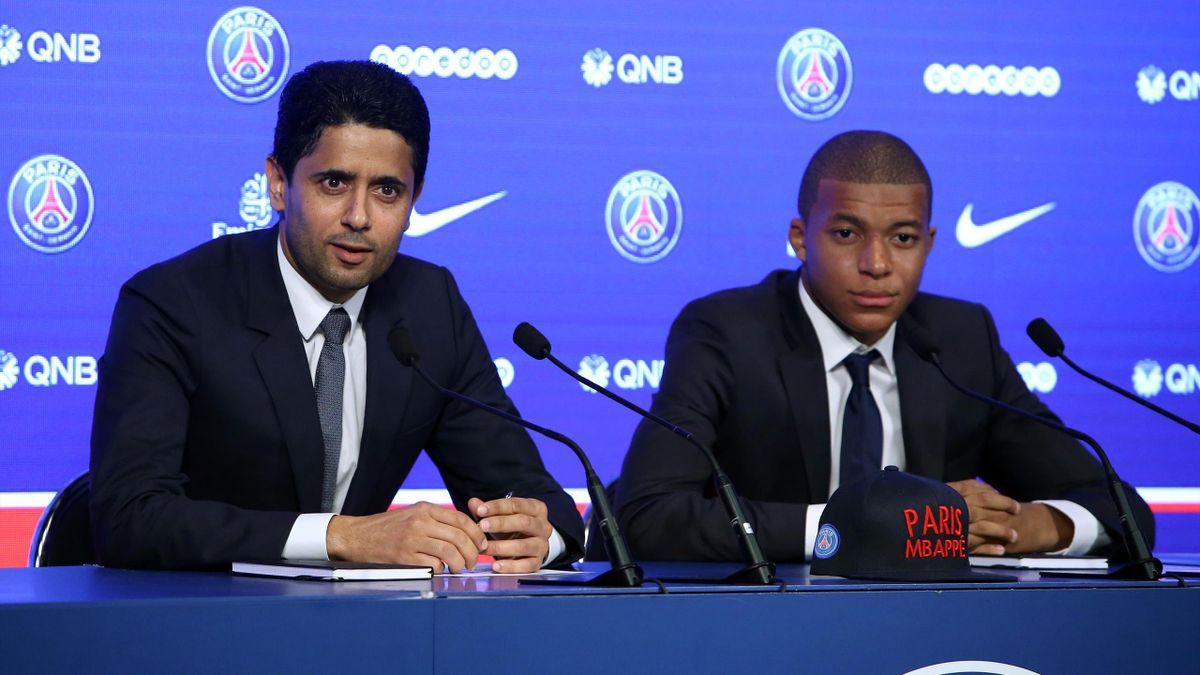 PSG-Klubchef Nasser al-Khelaifi (l.) und Kylian Mbappé