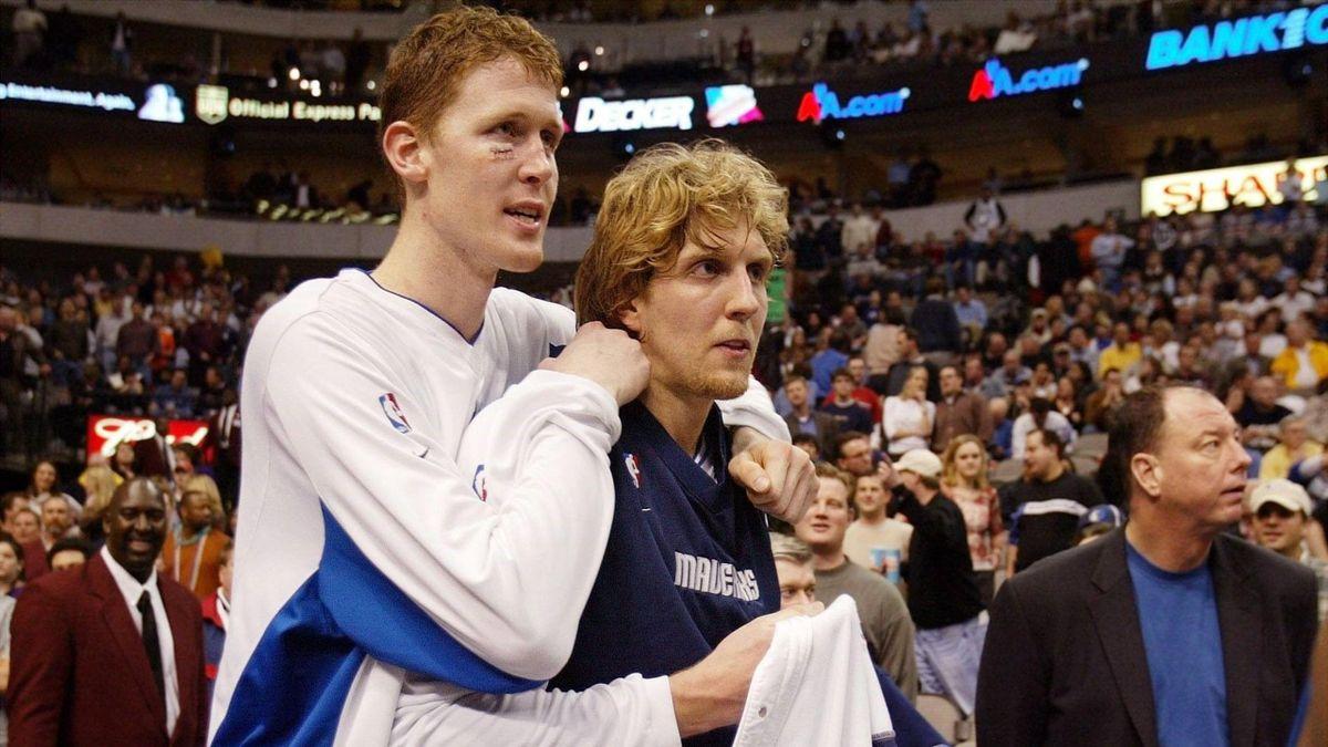 Shwan Bradley (links) und Dirk Nowitzki - Dallas Mavericks
