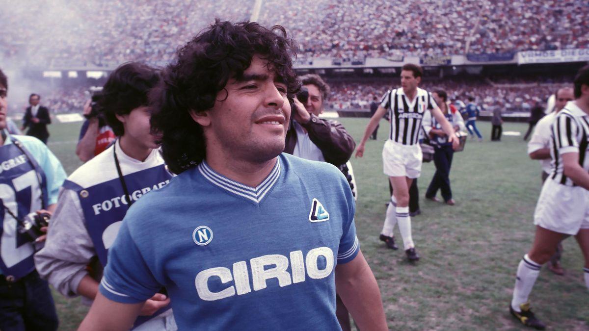 Diego Maradona avec le Napoli, en 1985.