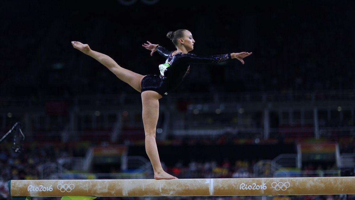 Sanne Wevers op de evenwichtsbalk tijdens de Rio Olympics