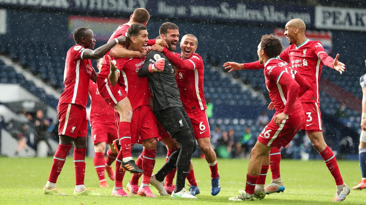 Torwart Alisson Becker lässt sich für sein 2:1 feiern - West Bromwich Albion vs. FC Liverpool