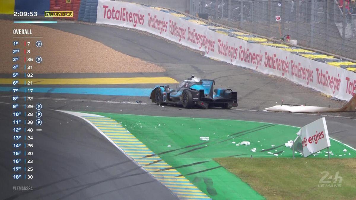 24 uur Le Mans | Merriman klapt met zijn Oreca keihard in de bandenstapel