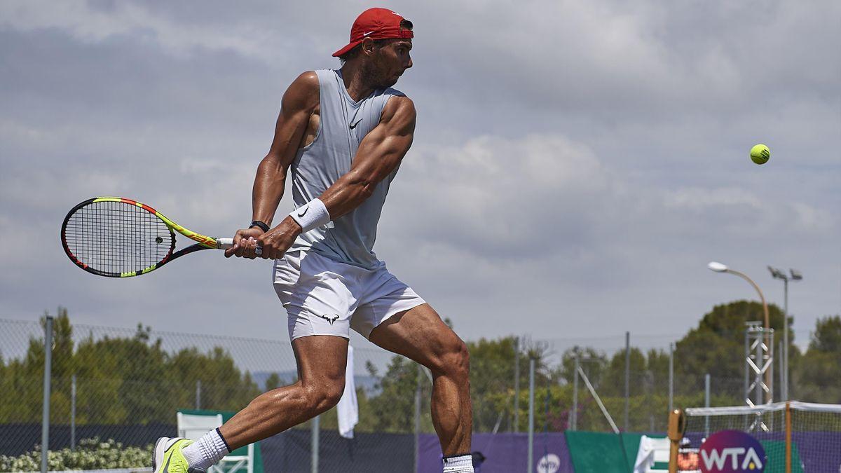 Nadal sigue su preparación con la vista puesta en Wimbledon