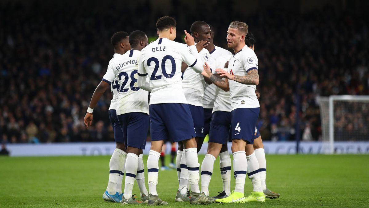 Dele Alli e il Tottenham dopo la vittoria sul Bournemouth
