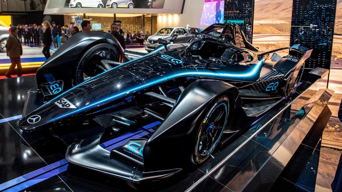 Une voiture de Formule E estampillée Mercedes en mars 2019