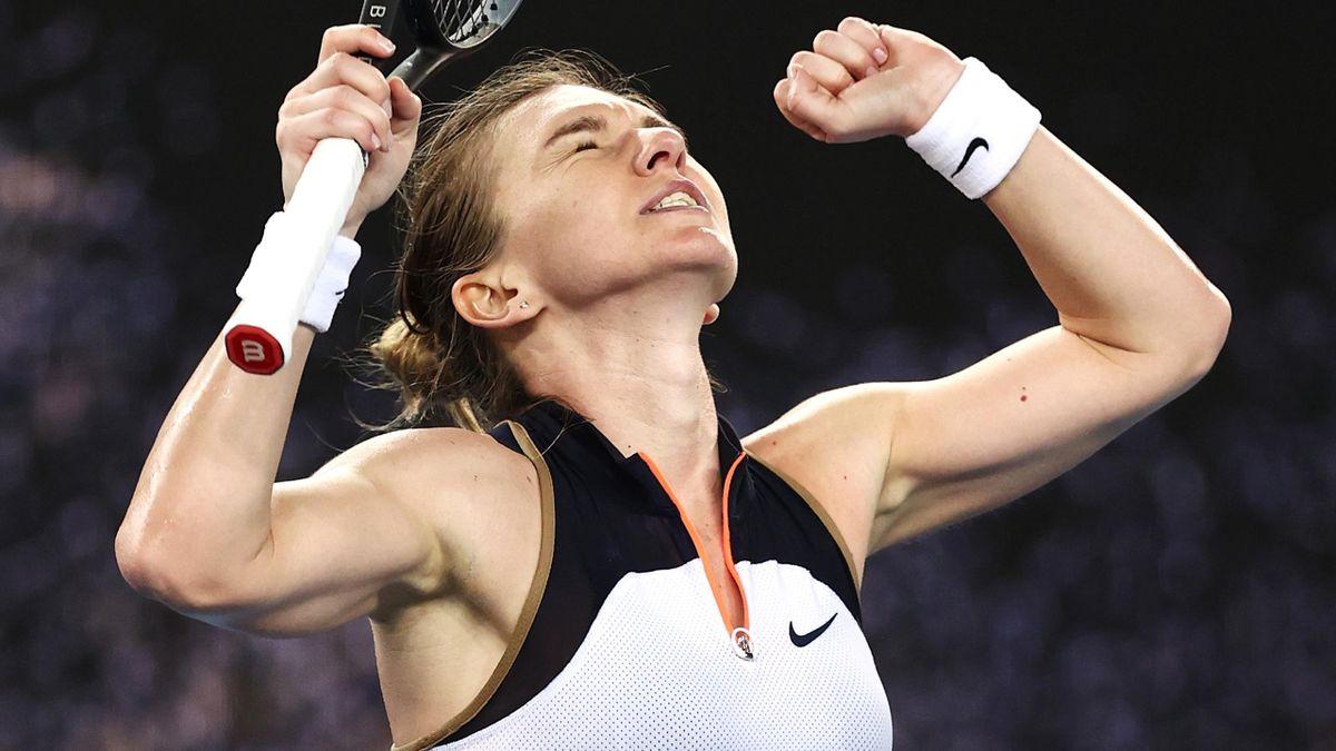 Simona Halep celebrates win over Ajla Tomljanovic