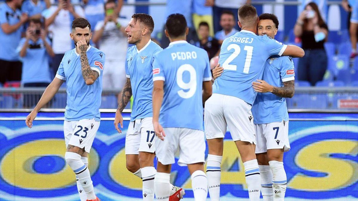 I giocatori della Lazio esultano dopo un gol - Serie A 2021-22
