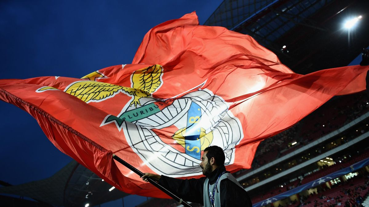 Benfica flag | Football