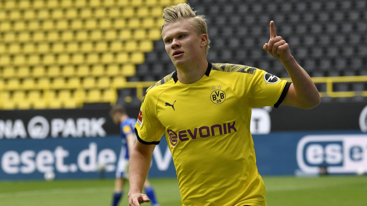 Erling Haaland jubelt gegen Schalke