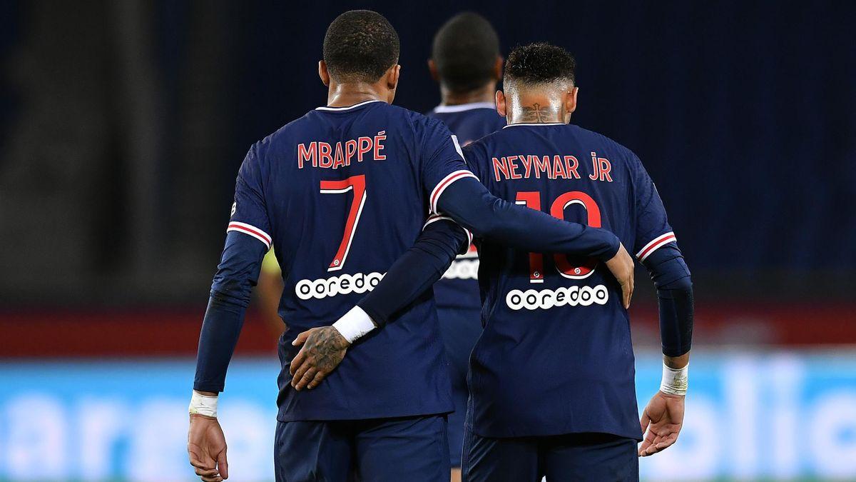 Mbappé e Neymar esultano dopo un gol durante PSG-Angers - Ligue 1 2020/2021 - Getty Images