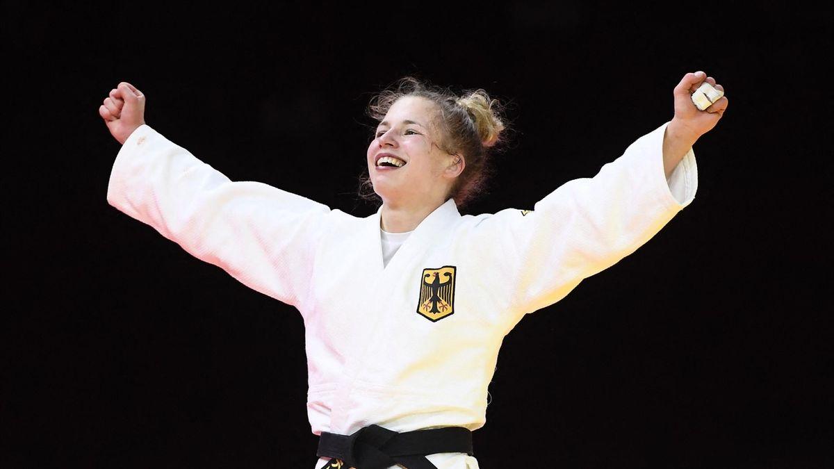 Theresa Stoll jubelt über WM-Bronze in Budapest