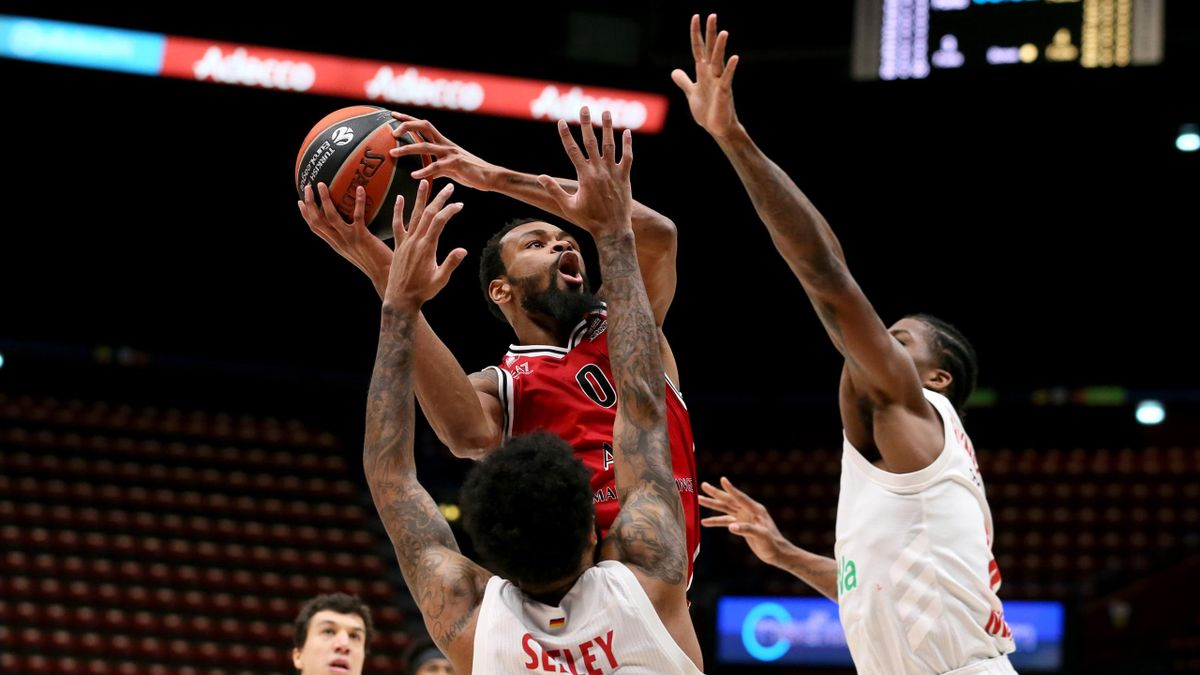 Kevin Punter, #00 of AX Armani Exchange Milan in action during the 2020/2021 Turkish Airlines EuroLeague Regular Season Round 21 match between AX Armani Exchange Milan and FC Bayern Munich at Mediolanum Forum on January 21, 2021 in Milan, Italy