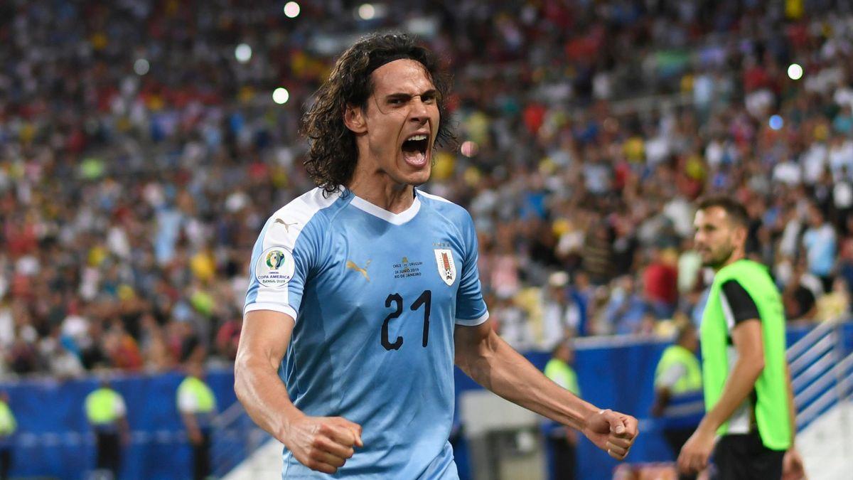 Edinson Cavani célèbre son but avec l'Uruguay contre le Chili (1-0), lors du dernier match de poules de la Copa America 2019.