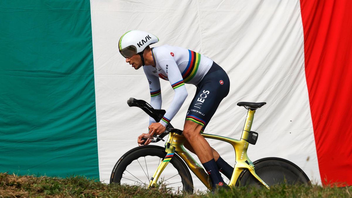 Team Ineos rider Italy's Filippo Ganna rides during the fourteenth stage of the Giro d'Italia 2020 cycling race, a 34,1-kilometer individual time trial between Conegliano and Valdobbiadene on October 17, 2020.