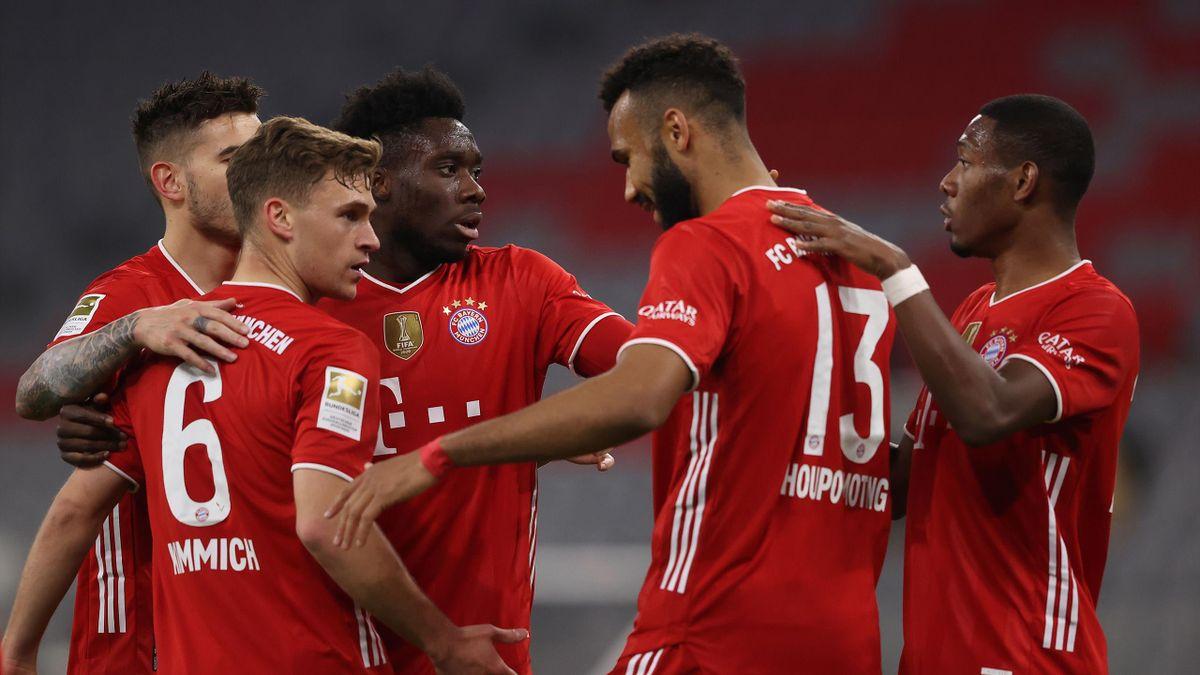 Der FC Bayern jubelt über den 2:0-Sieg über Bayer Leverkusen