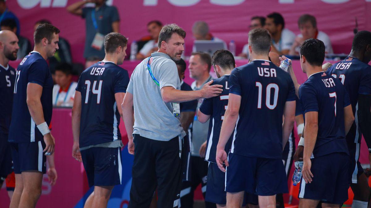 Robert Hedin und die Handballer der USA