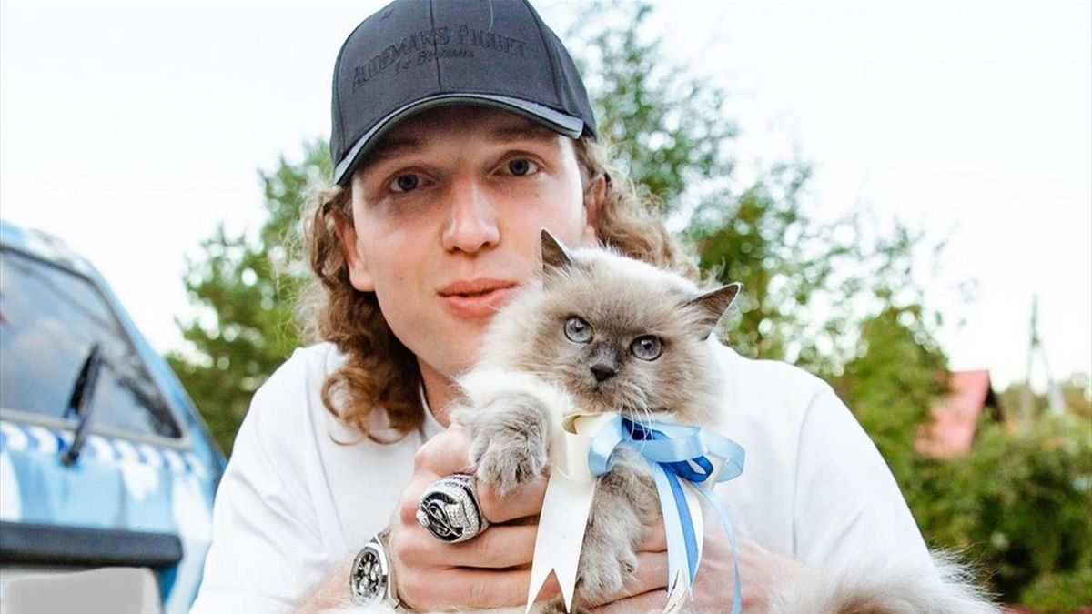 Андрей Василевский с котом