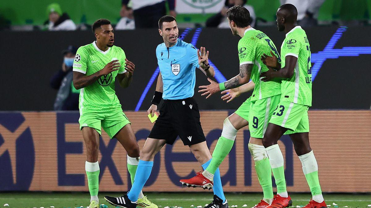 Wolfsburg hadert mit der VAR Entscheidung