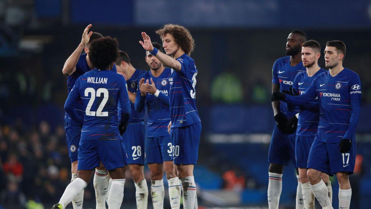 Carabao Cup - Semi-Final Second Leg - Chelsea v Tottenham Hotspur - Stamford Bridge, London, Britain - January 24, 2019 Chelsea's Willian celebrates with team mates during the penalty shootout