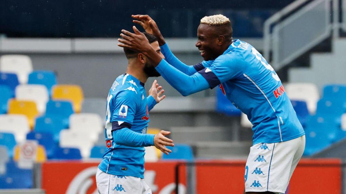 Osimhen e Lorenzo Insigne festeggiano per il gol in Napoli-Crotone - Serie A 2020/2021 - Getty Images