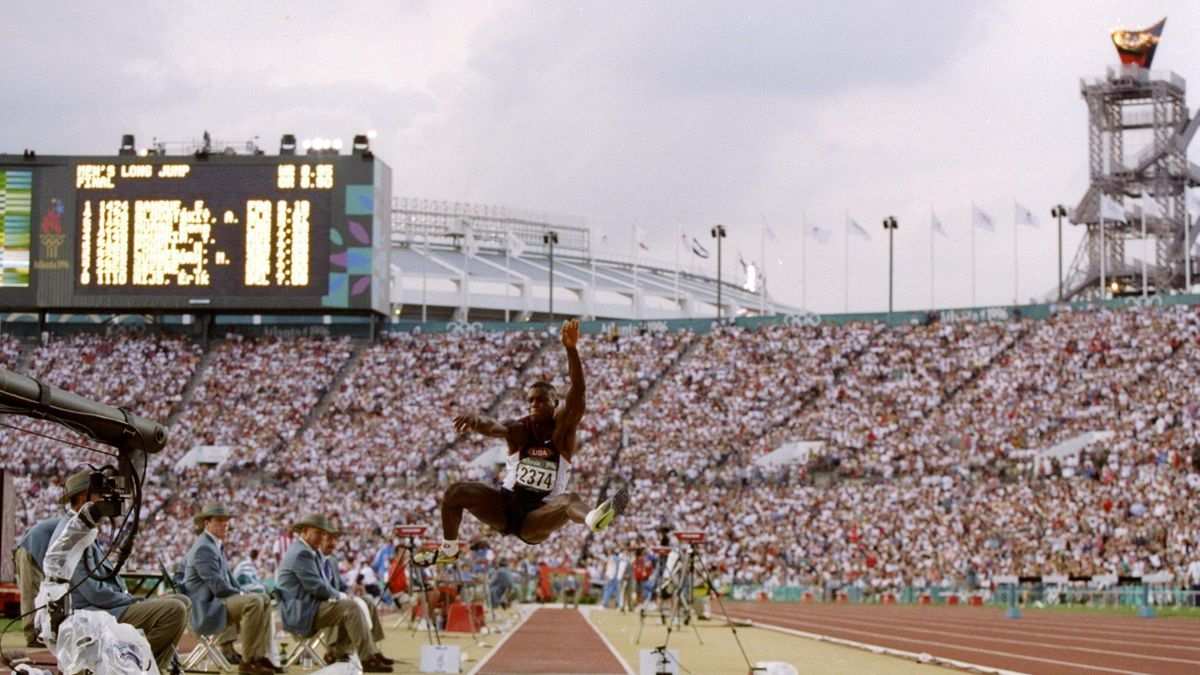 Hall of Fame – Atlanta 1996: Carl Lewis last gold medal in Olympic event